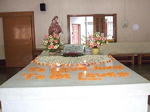 マザーのお墓