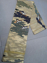 鶴と松の刺繍丸帯