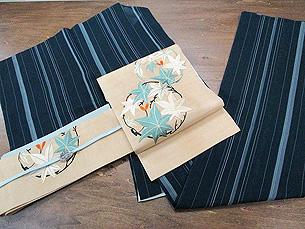 紗地縞着物に絽地楓丸紋刺繍夏帯