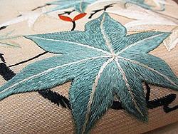 絽地楓丸紋刺繍夏帯