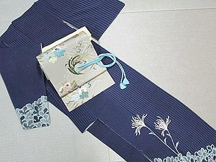菊付下袷に花紋刺繍帯