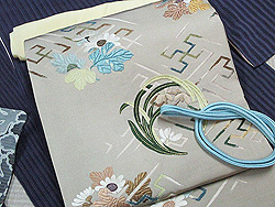 花紋刺繍帯