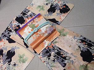 雲取りに大輪菊小紋に花紋刺繍帯