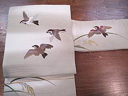 暈し地に雀刺繍の名古屋帯