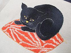 座布団の上の黒猫刺繍名古屋帯
