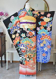 桜に松御簾文様刺繍振袖