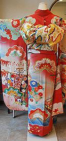 青海波に宝舟の図刺繍振袖