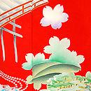 桜に枝垂れ藤橘文様朱振袖