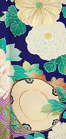 四季の花と小鼓文様錦紗縮緬振袖