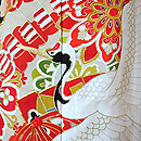 檜扇に鶴と松梅菊の図黒振袖