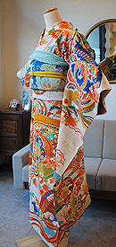 檜扇に四季の花々豪華刺繍振袖