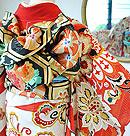 アールヌーボー花々に孔雀文様刺繍振袖