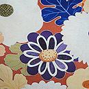 霞に菊花蔦の図錦紗振袖