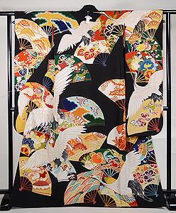 鶴に四季の花扇面文様黒振袖