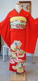 雲取りに四季の花丸文様赤振袖