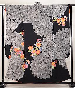 栗山吉三郎作 紅型染め菊花文様黒振袖