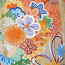 四季の花くす玉文様ベージュ地振袖
