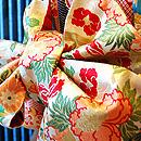 疋田鹿の子雲取りに花丸文刺繍振袖