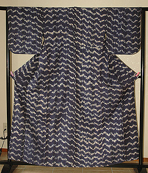 瑠璃色縫い締め絞り単衣紬