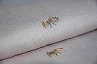 蝶柄刺繍紬単衣 質感・風合