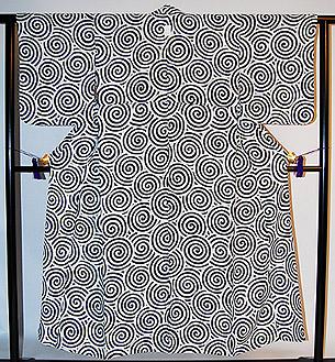 渦巻き柄単衣小紋