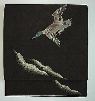 月に雁の図綴れ袋帯