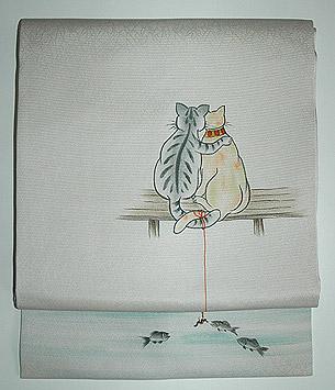 猫が魚釣りの図名古屋帯