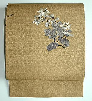 金地に菊刺繍帯