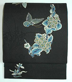 蝶の刺繍開き名古屋帯