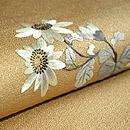 金地に菊刺繍帯 質感・風合