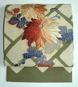 菊の刺繍名古屋帯