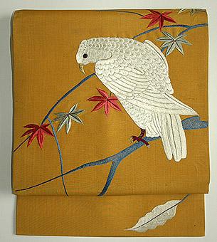 紅葉に白鷹の図刺繍名古屋帯