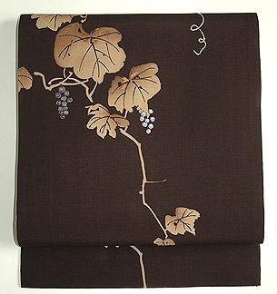 葡萄の図刺繍開き名古屋帯