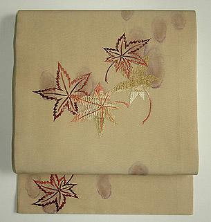 紅葉刺繍開き名古屋帯