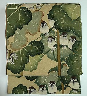 葉影に雀柄染名古屋帯