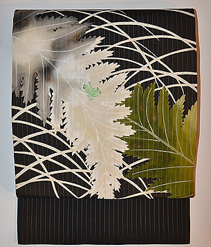 シダにかえるの刺繍縦絽帯