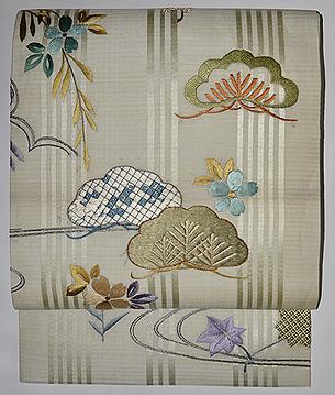 枝垂れ桜に松刺繍名古屋帯