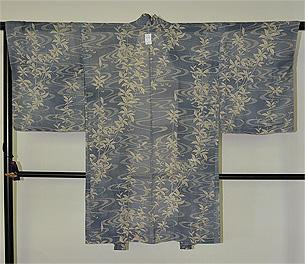 観世水に枝垂れ柳の図絽羽織