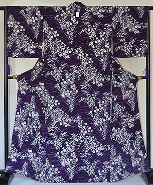濃紫地秋草小紋