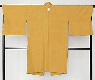 鬱金色コート