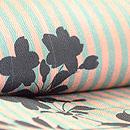 縦縞に桜文様小紋 質感・風合
