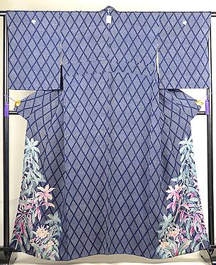 菱紋に葉鶏頭と桜草の散歩着