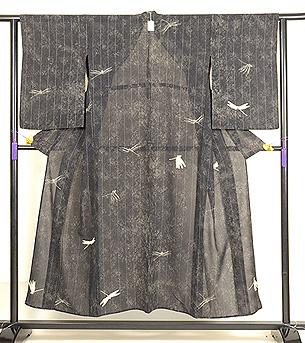 経縞にトンボ、ジョーゼットの単衣