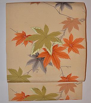 紅葉の図開き名古屋帯