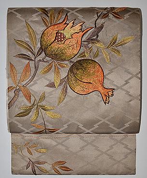 石榴刺繍の帯