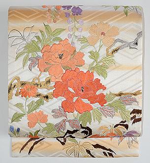 四季の花々の図刺繍名古屋帯