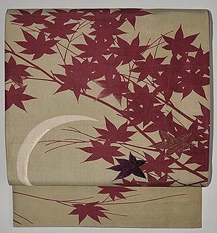 月に楓の図開き名古屋帯