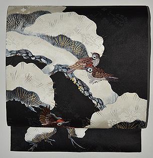 雪持ち松に雀の図名古屋帯