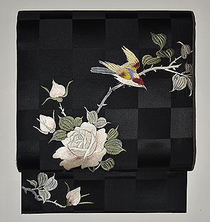 野薔薇刺繍開き名古屋帯