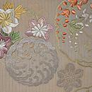 白地秋草の刺繍丸帯 前中心
